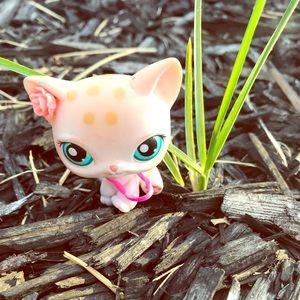 Lps Cream color cat